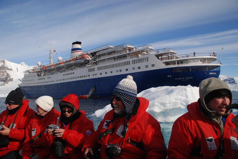 Сегодня мы покидаем антарктику и направляемся обратно на север, через воды пролива дрейка к миру цивилизации